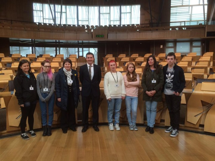 Visit of the Cluaran Project in Tamfourhill at their recent tour of the Scottish Parliament
